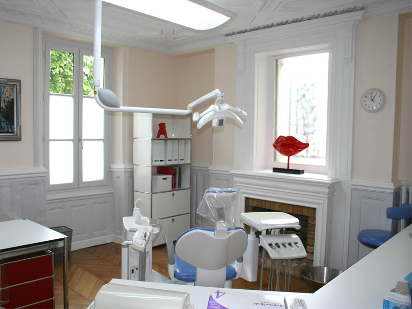Salle de chirurgie, Stomatologue Melun